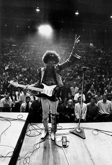 Hendrix Back to Crowd